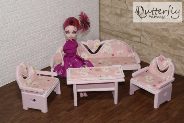 Drewniane meble dla lalek CLASSIC Pink 1