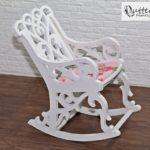 Fotel bujany dla lalek bok