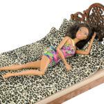 Łóżko drewniane dla lalek JESSICA Kasztan zlalką