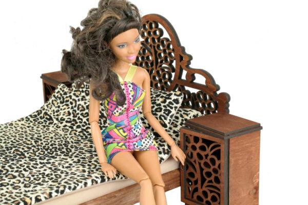 Łóżko drewniane dla lalek JESSICA Kasztan z lalką 3