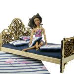 Łóżko drewniane dla lalek JESSICA Natural zBarbie 2