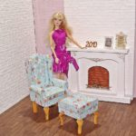 Fotel uszak dla lalki zpodnóżkiem BLUE