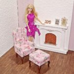 Fotel uszak dla lalki zpodnóżkiem PINK DARK