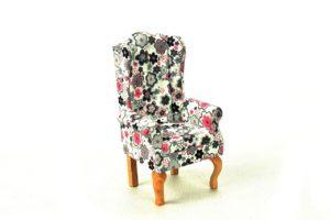 Fotel uszak biały w kwiatki 2