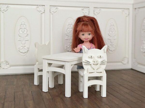 Zestaw stoliczek i krzesełka
