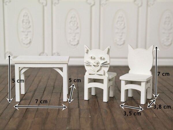 Zestaw stoliczek i krzesełka 2