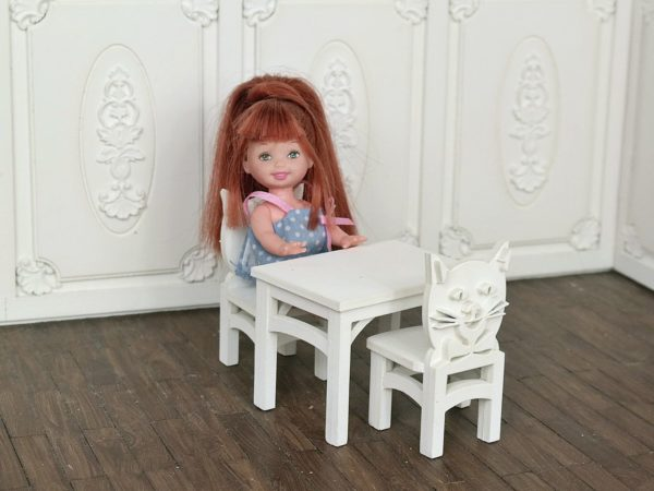 Zestaw stoliczek i krzesełka 3